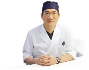 院長の浅田先生です。